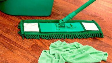 Photo of Нездоровое мытье полов: в каких позах не стоит проводить уборку