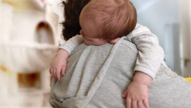 Photo of Исследование: младенцы различают «значения объятий» родителей