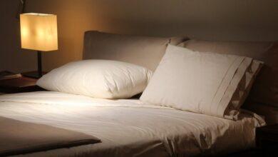 Photo of Чтобы позвоночник был здоров: выбор матраца, подушки и позы сна