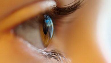 Photo of Сон в контактных линзах: что делать после пробуждения, объясняет врач-офтальмолог