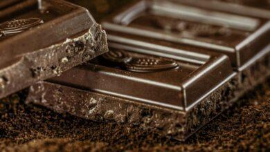 Photo of Почему нужно кушать темный шоколад почаще