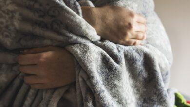 Photo of Почему некоторым людям вечно холодно? 6 причин пониженной температуры тела