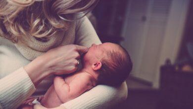 Photo of Странности в поведении младенца при кормлении грудью